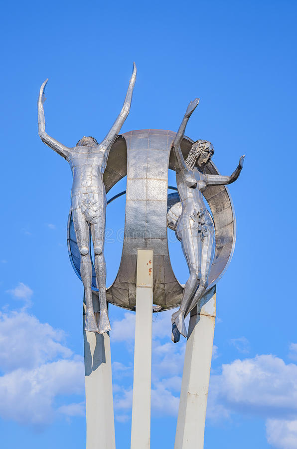 Monumento O Passageiro na cidade de Londrina imagens de stock