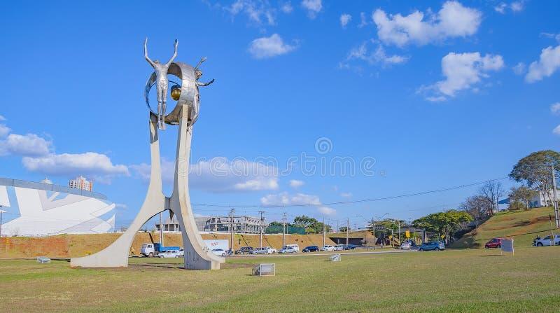 Monumento O Passageiro na cidade de Londrina imagem de stock
