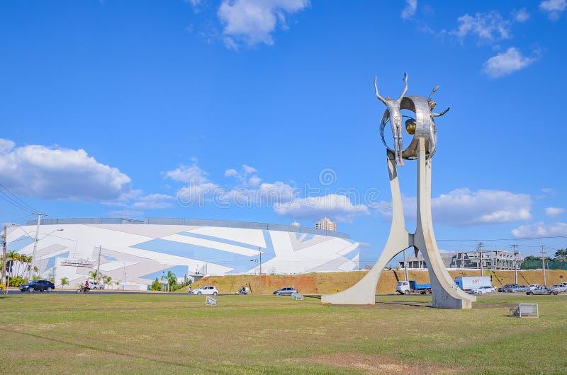 Monumento O Passageiro na cidade de Londrina fotografia de stock royalty free