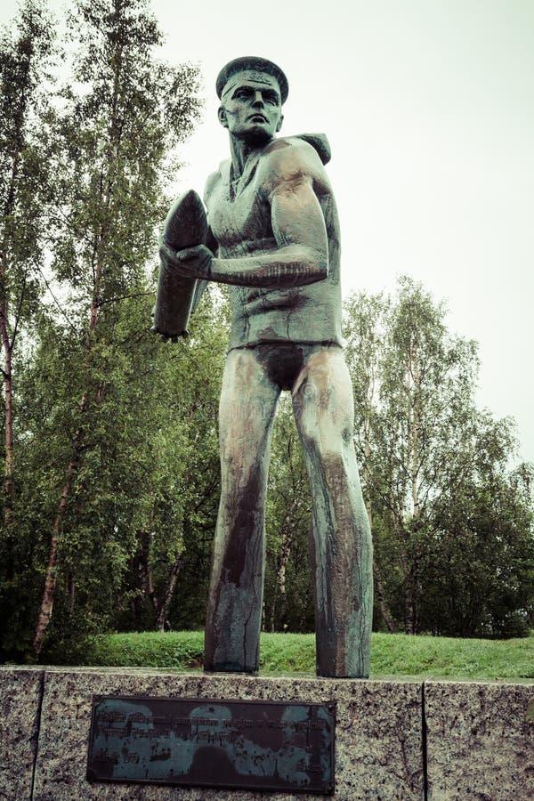 Monumento para lustrar tropas em Narvik fotos de stock royalty free