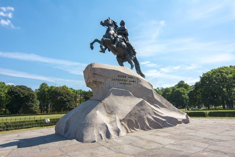 Monumento a Peter el grande en el cuadrado del senado, St Petersburg, Rusia imágenes de archivo libres de regalías
