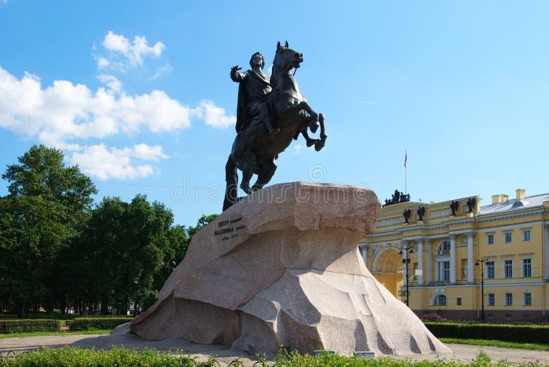 Monumento a Peter o grande em St Petersburg imagem de stock royalty free