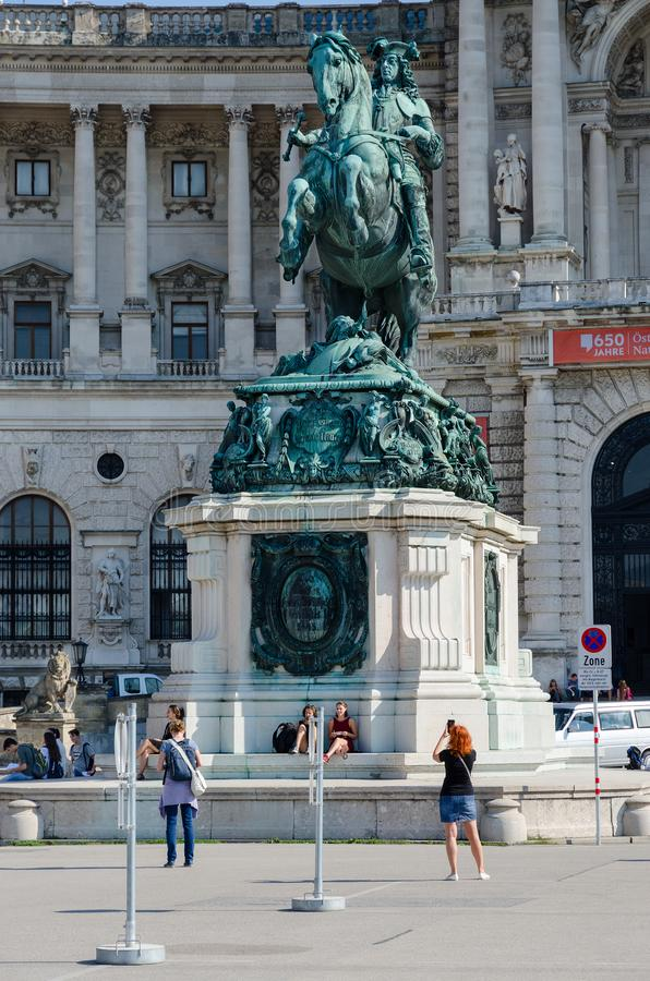 Monumento a principe Eugene della Savoia davanti al palazzo di Hofburg, Vienna, Austria immagine stock libera da diritti