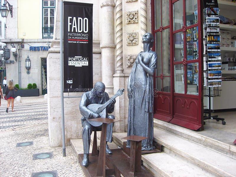 Monumento que celebra Fado en Lisboa, Portugal fotografía de archivo