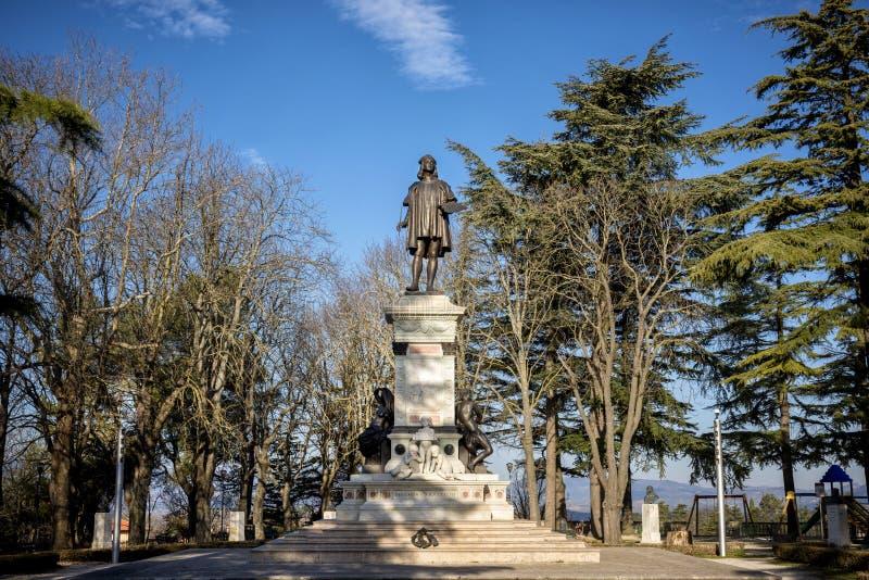 Monumento a Raffaello, Piazzale Roma, Urbino, Italien stockfotografie
