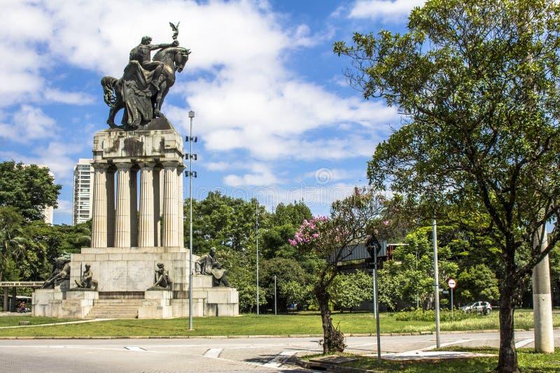 Monumento a Ramos de Azevedo fotografia stock libera da diritti