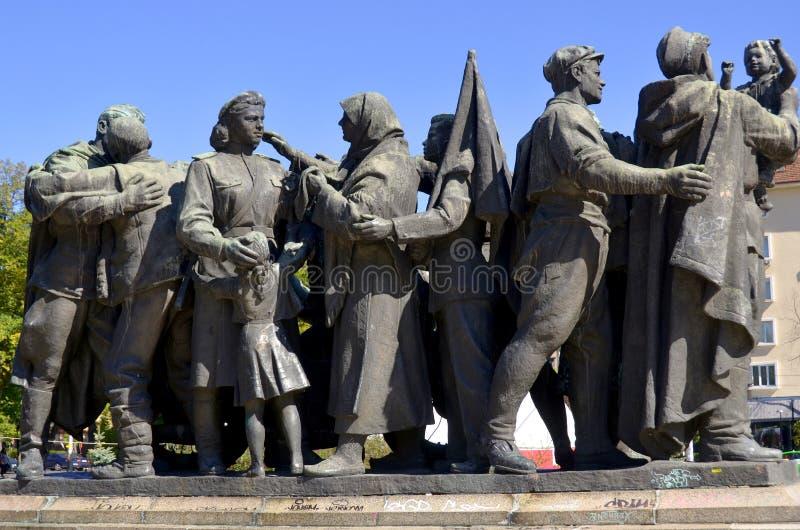 Monumento soviético del ejército imagenes de archivo