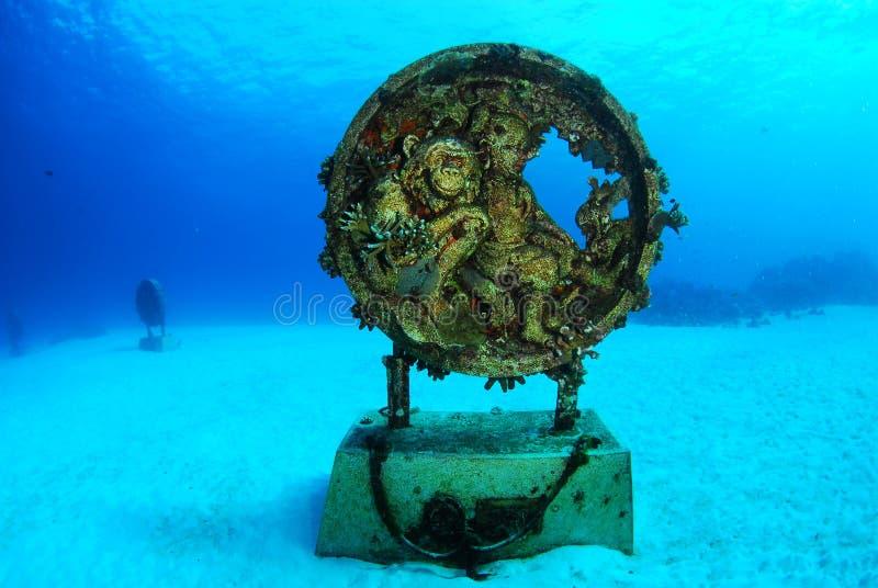 Monumento subaquático do tsunami fotografia de stock
