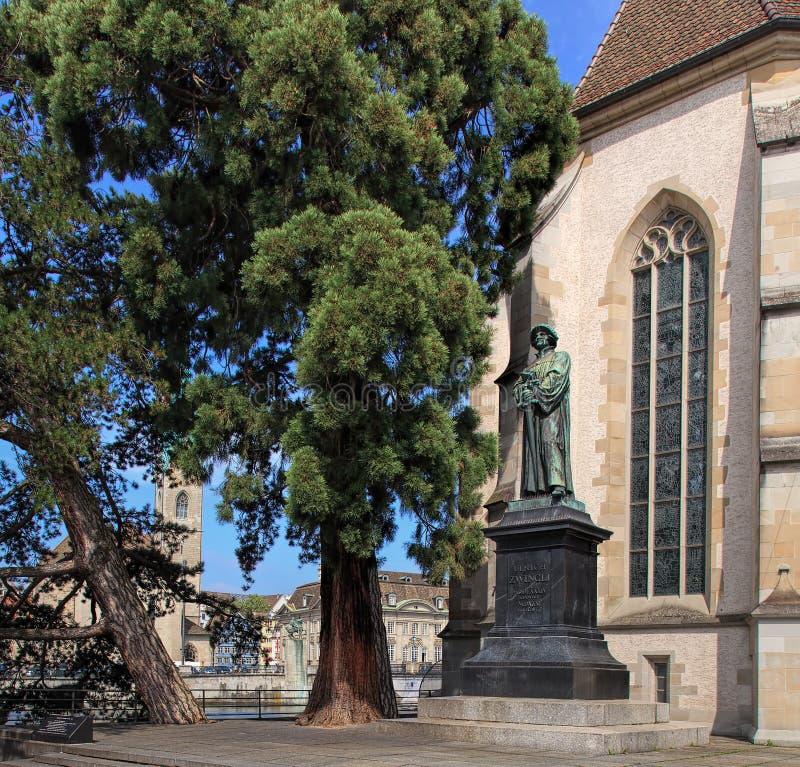 Monumento a Ulrich Zwingli en Zurich fotografía de archivo