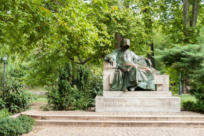 Monumento a un anonimus en el parque Varosliget, Budapest imágenes de archivo libres de regalías