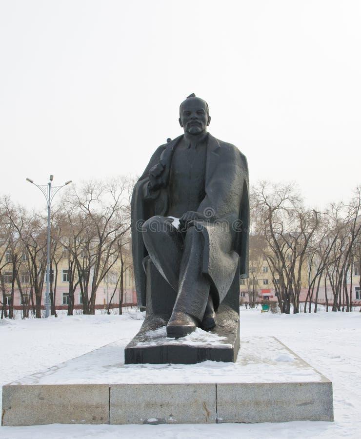 Monumento, un símbolo de la era soviética pasada El monumento al fundador de la Unión Soviética - Lenin, V I fotografía de archivo libre de regalías