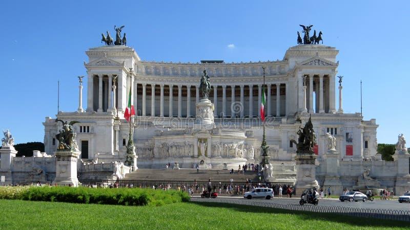 Monumento a Victor Emmanuel II, l'ottava collina di Roma immagini stock libere da diritti