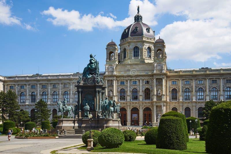 Monumento y museo de bellas arte, Maria-Theresian-Platz, Viena foto de archivo libre de regalías