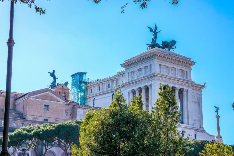 Monumentoen Nazionale en nationell monument för Vittorio Emanuele II ` till Victo arkivfoton