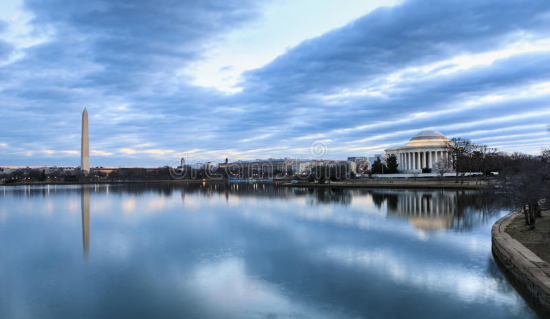 Monumentos da skyline do Washington DC imagens de stock