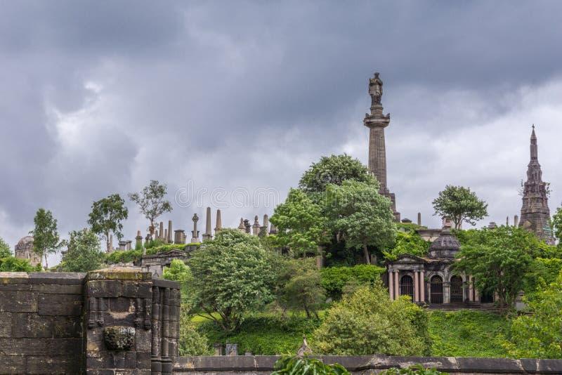Monumentos de Knox e de Macfarlan em Glasgow Necropolis, Escócia Reino Unido fotografia de stock royalty free