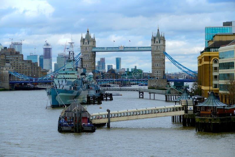 Monumentos e vistas do rio Tamisa - Londres foto de stock