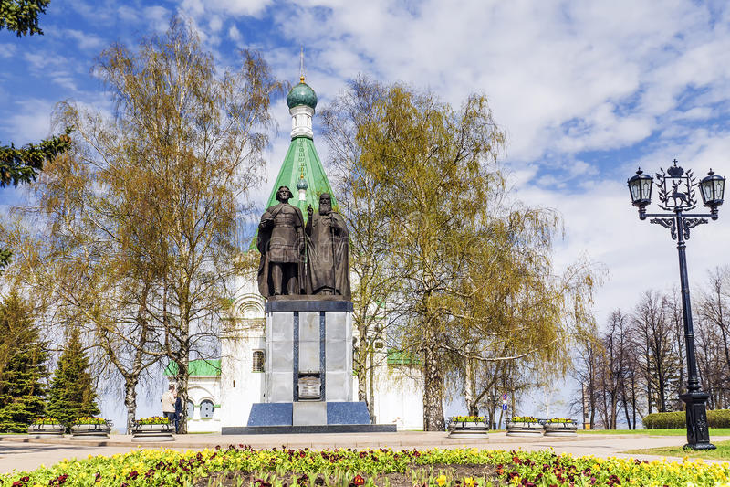 Monumentos a los fundadores de Nizhny Novgorod, Rusia fotos de archivo