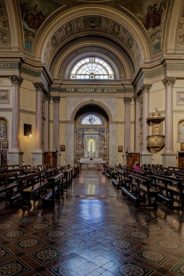 MONZA, ITALY/EUROPE - 28 OTTOBRE: Altare nella chiesa della st GER fotografie stock libere da diritti