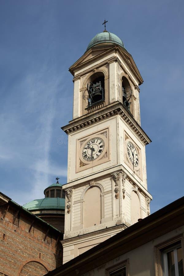 MONZA, ITALY/EUROPE - 28 OTTOBRE: Facciata della chiesa del GE della st immagini stock libere da diritti