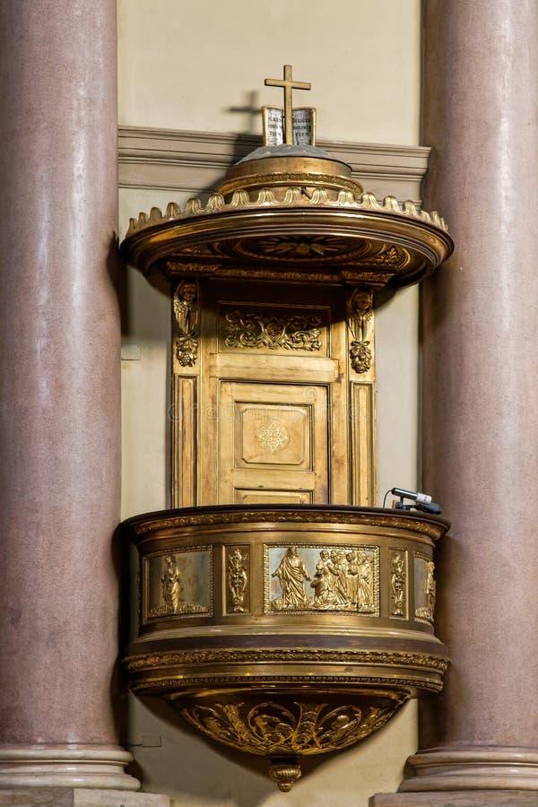MONZA, ITALY/EUROPE - 28 OTTOBRE: Quadro di comando nella chiesa del GE della st fotografia stock libera da diritti