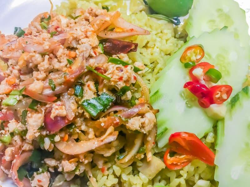 Moo Larp или тайский пряный семенить салат свинины, одно из популярных меню еды улицы Несоосность ` t Дон когда вы посетите Таила стоковая фотография