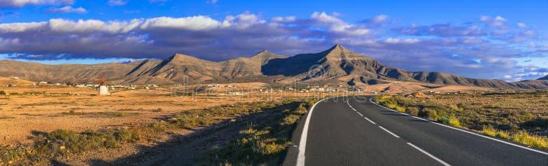 mooi aardlandschap van Canarische Eilanden, Fuerteventura stock foto