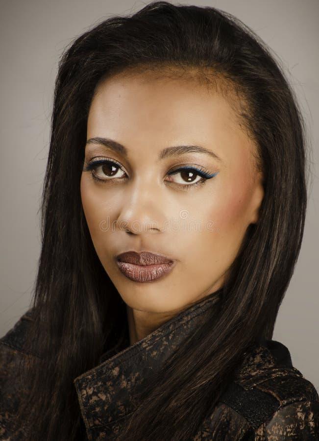 Mooi Afrikaans Amerikaans model stock foto