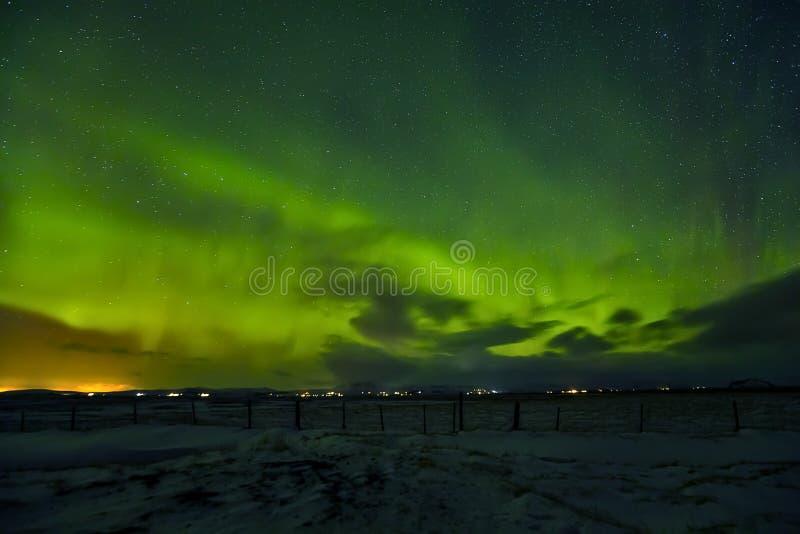 Mooi aurora borealis in IJsland, schot in vroege de winterperio stock afbeelding