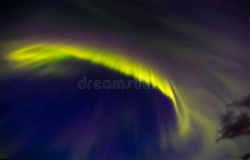 Mooi aurora borealis van nacht sterrige hemel royalty-vrije stock fotografie