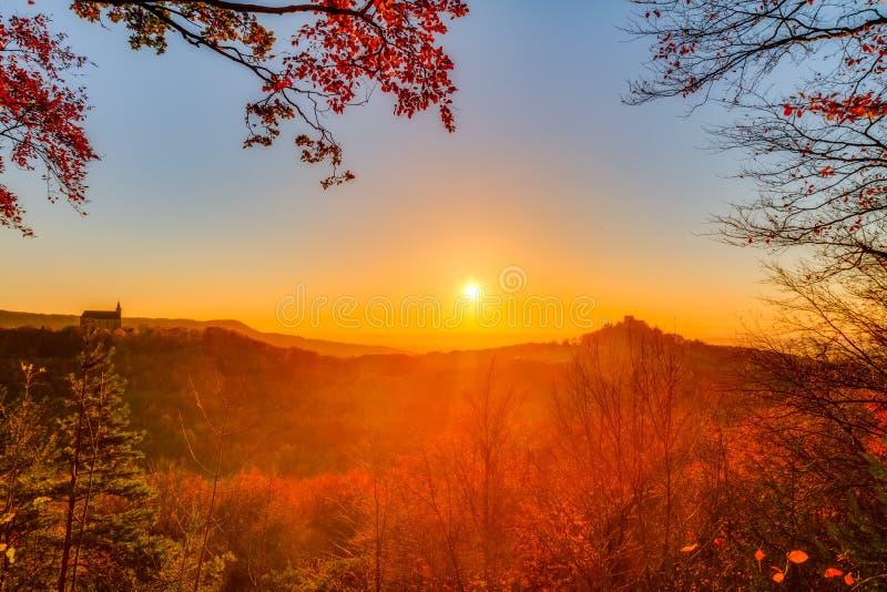 Mooi Autumn Landscape Panorama stock foto's