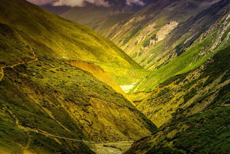 Download Mooi Aziatisch landschap stock foto. Afbeelding bestaande uit enchanted - 54087638
