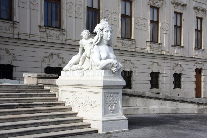 Mooi beeldhouwwerk in één van de parken van Wenen royalty-vrije stock afbeelding