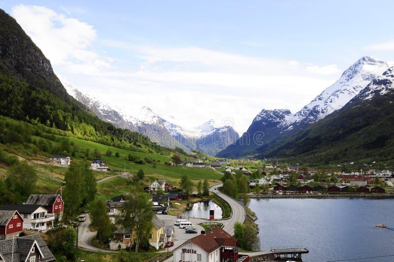Mooi Bergen en @Norway Valleilandschap stock afbeelding