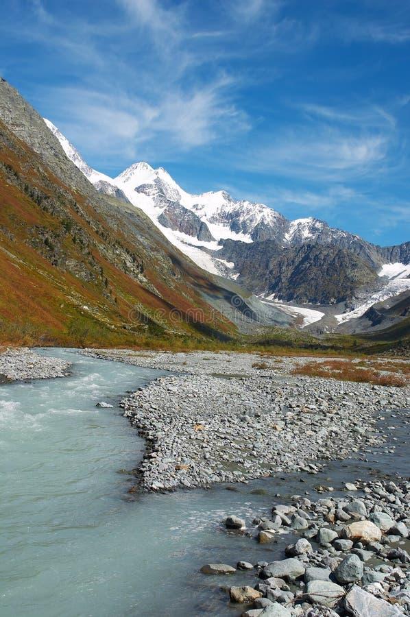 Mooi bergenlandschap. royalty-vrije stock afbeelding