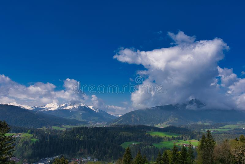 Mooi berglandschap in de Alpen van Tirol, Oostenrijk stock foto