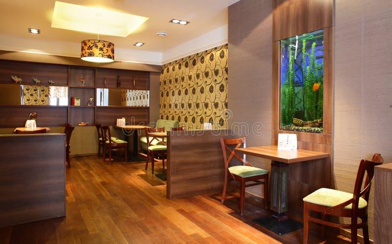 Mooi binnenland van modern restaurant stock fotografie