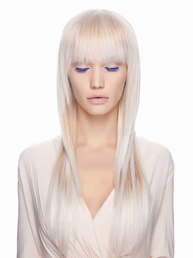 Mooi blond meisje met samenstelling royalty-vrije stock afbeelding