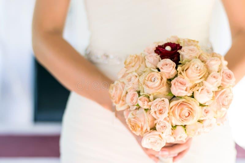Mooi boeket, bruids boeket, bloemen van de bruid royalty-vrije stock fotografie