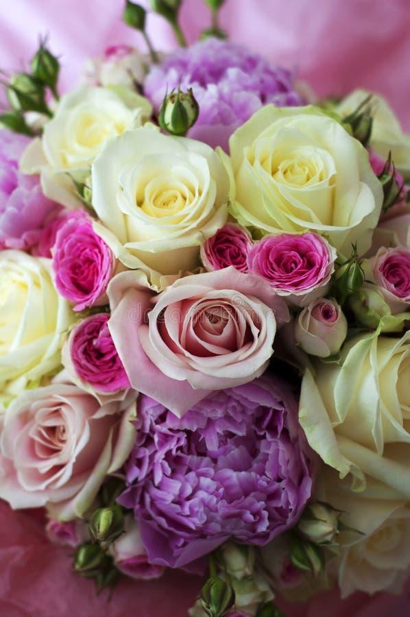 Vaak Mooi boeket van bloemen stock foto. Afbeelding bestaande uit bruid  &ML39