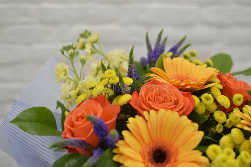 Mooi boeket van kleurrijke bloemen stock afbeelding