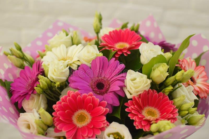 Mooi boeket van kleurrijke bloemen royalty-vrije stock foto