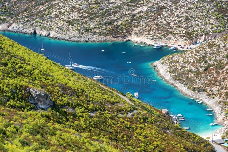 Mooi de zomerzeegezicht van de kust van het Eiland van Zakynthos, Griekenland De Mooie Lagune van de haven van Porto Vromi stock foto