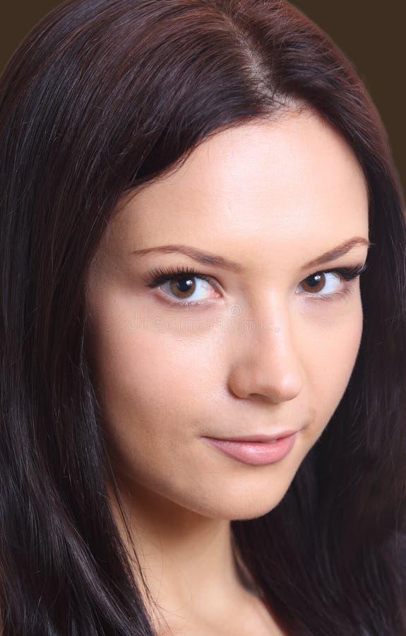Mooi donkerbruin meisje van twintig royalty-vrije stock foto
