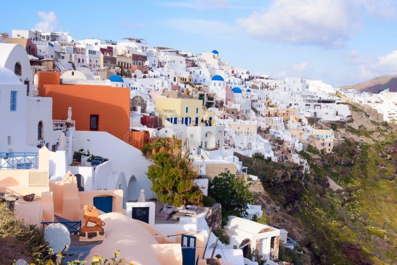 Mooi Eiland Santorini, Griekenland Traditioneel wit Grieks huis De stad van Oia op het Eiland Santorini Griekse reis S stock foto's
