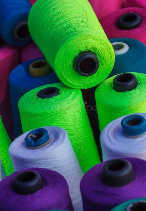 Mooi garen voor het naaien royalty-vrije stock foto's