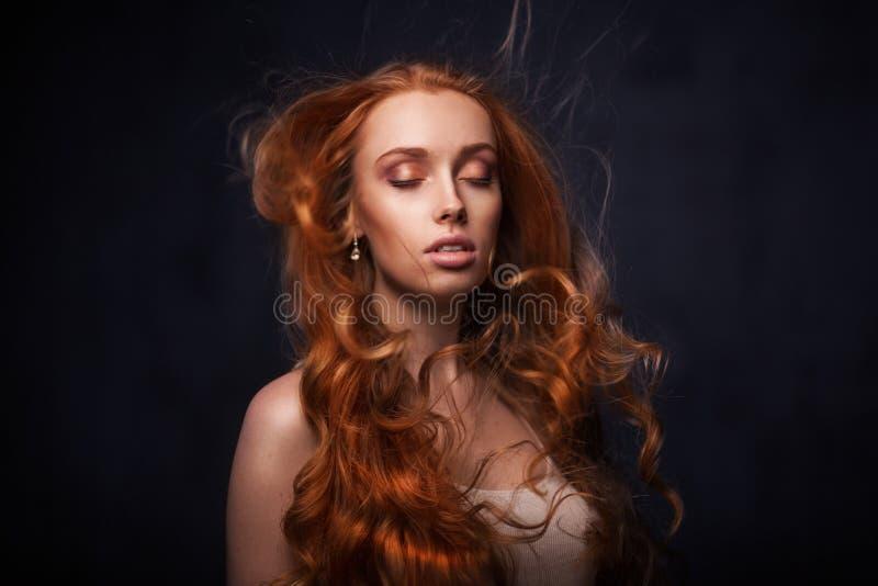 Mooi gezicht van jonge volwassen vrouw royalty-vrije stock foto's