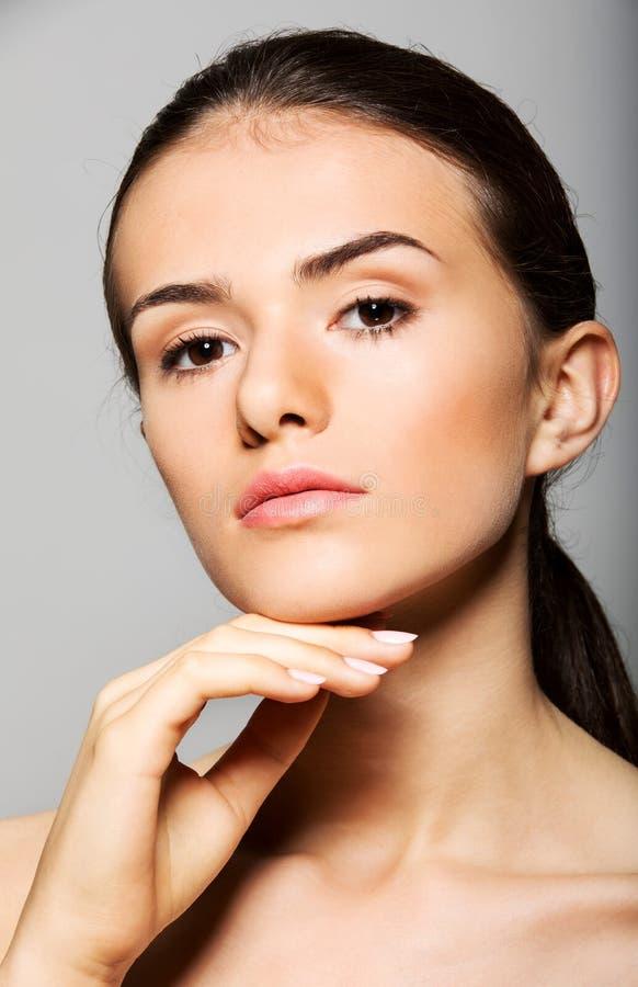 Mooi gezicht van jonge vrouw royalty-vrije stock foto