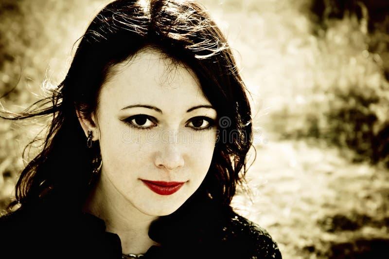 Mooi glimlachend gotisch meisje royalty-vrije stock foto's