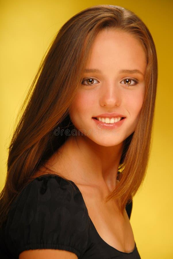 Mooi glimlachend meisje royalty-vrije stock afbeelding